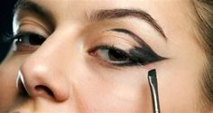 COMO FAZER OLHO DE GATO COM SOMBRA Makeup Tips, Make Up, Rings, Jewelry, Style, Winged Liner, How To Make Up, Kitty Cat Makeup, Gatos