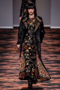 Etro Elevates Streetwear with Romantic Textures for Fall Winter 2016  ed68c1f39