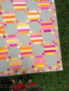 crazy mom quilts: mystery quilt--instruction link given