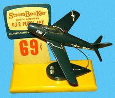 Vintage Models, Old Models, Plastic Model Kits, Plastic Models, Retro Toys, Vintage Toys, New Aircraft, Vintage Display, Hobby Shop