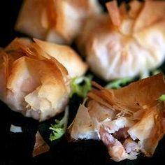 Fagottini di formaggio feta e gamberetti @ http://allrecipes.it