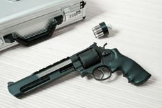 **Correction** Smith & Wesson's Large N Frame