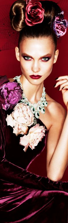 Miss Millionairess.... Fleuw fashion - Karlie Kloss by Alexi Lubomirski for Vogue