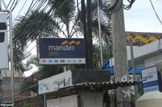 ATM Mandiri neonbox