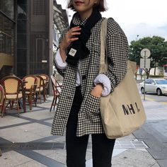Look at this Trendy casual korean fashion Korean Fashion Trends, Korean Street Fashion, Korea Fashion, 70s Fashion, Winter Fashion, Fashion Outfits, Fashion Ideas, Fashion Hacks, Tokyo Fashion