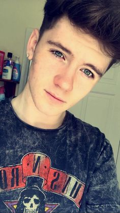 Read Présentation 🐝🌵🐵🍀☀️ from the story ✨~You and Me~✨ {Randy🌵🐝} by roadtrip_love_andy with 156 reads. Beautiful Boys, Gorgeous Men, Lgbt, Roadtrip Boyband, Brooklyn Wyatt, Road Pictures, German Boys, Roman, Boy Face