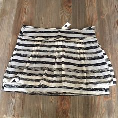 Cute triped GAP skirt Never worn. Brand new GAP Skirts Mini