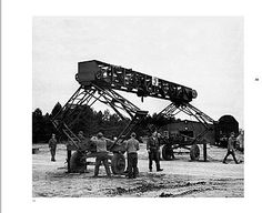 Erecting the Strabokran took about an hour in field conditions Military Engineering, Panther, Axis Powers, German Army, Military Vehicles, World War, Wwii, History, Logs