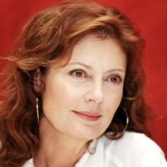 Susan Sarandon Says Women Can Be Sexy At 65 (Even In Hollywood) Susan Sarandon, Older Women Hairstyles, Easy Hairstyles, Layered Hairstyles, Pixie Hairstyles, Hairstyle Ideas, Thelma Et Louise, Hot Hair Styles, Actrices Hollywood