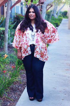 Speaking of body diversity within the plus community, today we shine the light on 15 plus size bloggers who are NOT hourglass shaped, and whose style packs a punch!