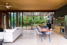 Casa Modelo by Pitta Arquitetura - Dwell Tiny House, Clad Home, Green House Design, Timber Screens, Timber Panelling, Sustainable Architecture, Sliding Glass Door, Model Homes, Inspired Homes