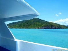 #boat #trip to #whitsundays #airliebeach #airlie #beach #whitehaven #bluewater - more on www.travel-photographs.net!