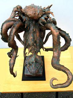 あまりにも有名な海の怪物ですね。 「触手と棘やヒレに覆われた怪物」 と言う伝承の通り形にしています。