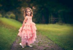 • Olivia • #portrett #barnefotograf #vestfold #horten #gulskogen #gulskogengård #jente #kjole #tyll #kidsinspo #barneportrett #rosa #ballerina #barn #barnebilder #portrait #girl #pink #forrest #photography #kidsphotography
