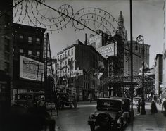 Berenice Abbott – New York Public Library) - Oak e New Chambers Street a Manhattan, 28 ottobre 1935