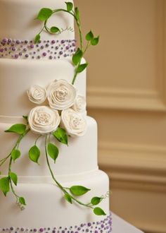 Lovely flowers on this cake and so simple