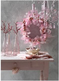 Gorgeous Pastel Pink Christmas Wreath Decorations, Pink Christmas Wreath, Pastel Pink Home Decor For Christmas Tout Rose, Gris Rose, Noel Christmas, Christmas Wreaths, Christmas Crafts, Xmas Ornaments, Christmas Ideas, Pink Lila, Pastel Pink