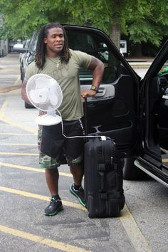 from Carolina Panthers DeAngelo Williams knows how to stay cool.