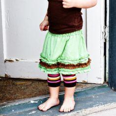 Esta joelheira para bebê é linda, mas muito fácil e barata de ser feita (Foto: sewmuchado.com)