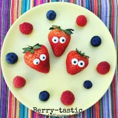 berry-tastic by Iddle Peeps  - https://iddlepeeps.com/food-art-ideas/ - fun and healthy food art ideas for picky little eaters.  Kids, toddlers and early finger food inspirations and very easy and simple, too.