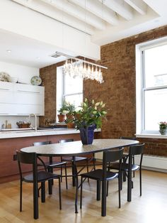 StreetEasy: 119 Chambers St. #FL4 - Condo Apartment Sale in Tribeca, Manhattan #diningroom #wineanddine #homedecor #dreamhome #luxuryhome #NYC
