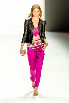 "DIMITRI - Fashionshow - Mercedes Benz Fashionweek in Berlin - in Kooperation mit ""UHLALÁ Beachwear"" - Fashionblogger - Modeblogger in Berlin - Fashionblog / Modeblog - 09. Juli 2015"