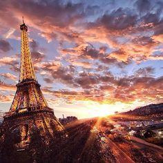 Fantastic Eiffel photo by @prisme_75