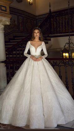 Fancy Wedding Dresses, Wedding Dress Sleeves, Princess Wedding Dresses, Bridal Dresses, Expensive Wedding Dress, Royal Wedding Gowns, Wedding Heels, Ball Dresses, Ball Gowns