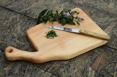 Handcrafted+wooden+cutting+board,+Cutting+board+with+handle,+Chopping+board,+Woodwork,+Holz+Schneidebrett