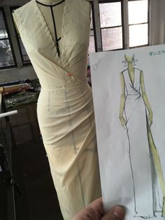 This pattern was created as a female base for the Anduin Wrynn Battle for Azeroth model from World of Warcraft. It has details and a lower tier panel as well included in the pack. It is scaled to a XS/S and will need to be scaled up for each addition Fashion Sewing, Diy Fashion, Ideias Fashion, Fashion Dresses, Dress Sewing Patterns, Clothing Patterns, Pattern Draping, Mode Abaya, Couture Sewing