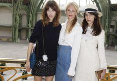 Alexa Chung, Poppy Delevigne y Caroline Sieber en el desfile de Chanel Haute Couture.