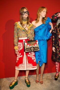 Gucci Spring 2017 Backstage – The Impression Gucci Fashion, Runway Fashion, High Fashion, Fashion Show, Milan Fashion, Haute Couture Style, Gucci Spring 2017, Gucci 2017, Spring 2015