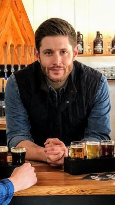 Jensen Ackles means everything he says. Jensen Ackles Family, Jensen Ackles Supernatural, Jensen Ackles Jared Padalecki, Jared And Jensen, Supernatural Fandom, Danneel Ackles, Dean Winchester, Winchester Brothers, Matt Cohen