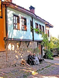 Fotoğraf View Photos, Cool Photos, Turkish Architecture, Turkey Europe, Beautiful Homes, Beautiful Places, Desert Dream, Village Houses, Istanbul Turkey