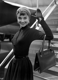 Hepburn: 19 of her most inspirational quotes Actress Audrey Hepburn was born on May 4 1929 in Belgium. To celebrate the birthday of one of BritainActress Audrey Hepburn was born on May 4 1929 in Belgium. To celebrate the birthday of one of Britain Vestido Audrey Hepburn, Audrey Hepburn Mode, Audrey Hepburn Photos, Audrey Hepburn Fashion, Audrey Hepburn Clothes, Audrey Hepburn Inspired, Hollywood Glamour, Classic Hollywood, Old Hollywood