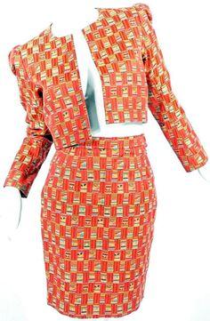 1994 Yves Saint Laurent Rive Gauche skirt suit in orange tones. (Tailleur Jupe - Tons Orangés)