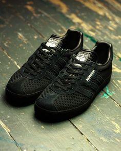 detailed look 84c7a 7b906 NEIGHBORHOOD x adidas Gazelle
