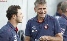 'Fomos nocauteados em 2 jogos', diz Autuori após Atlético-PR levar novo 3 a 0