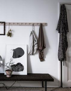 Plants as decoration - via Coco Lapine Design Modern Interior, Home Interior Design, Interior Styling, Exterior Design, Interior And Exterior, Interior Decorating, Hallway Inspiration, Interior Inspiration, Hallway Ideas