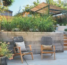 Smart hardscape design carves multiple zones and functions out of a Bay Area backyard