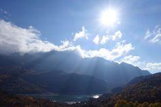 El sol brillaba con fuerza sobre Tendeñera y Búbal