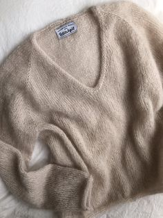 accumulation bluses Cumulation bluses - PetiteKnit Record of Knitting Yarn rotating, weaving and sewing careers such as for example BC. Sweater Knitting Patterns, Knitting Designs, Knitting Yarn, Knitting Projects, Moda Emo, I Cord, Mohair Sweater, Stockinette, Pulls