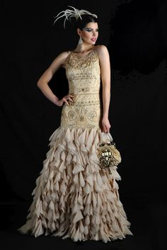 The designer's special-occasion gowns were inspired by the colors and shapes of autumn foliage and sunsets. Fall Fashion Trends, Fashion News, Fashion Show, Autumn Fashion, Flapper Costume, Sue Wong, Simply Beautiful, Pretty Dresses, Sunsets