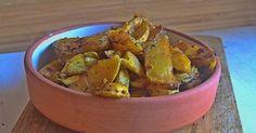Patatas jugosas al horno Patatas Guisadas, Dog Bowls, Guacamole, Potato Salad, Side Dishes, Ethnic Recipes, Food, Murcia, Buffets