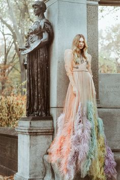Puck Loomans Models Dreamy Dresses in Marie Claire Indonesia December 2016 - Gucci feather embroidered dress Marie Claire, Edgy Bohemian, Bohemian Fashion, Dresser, Funky Dresses, Feather Fashion, Feather Dress, Editorial Fashion, Ball Gowns