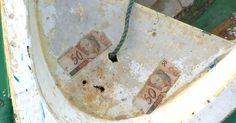 Dinheiro aparece flutuando no mar do Rio de Janeiro e intriga moradores