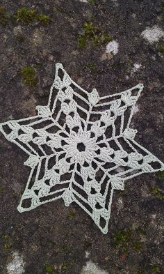how to do a dtr in crochet - dtr crochet . how to dtr crochet . how to do a dtr in crochet . dtr in crochet . what is dtr in crochet . how to crochet a dtr Crochet Angels, Crochet Stars, Crochet Snowflakes, Christmas Snowflakes, Thread Crochet, Crochet Motif, Crochet Crafts, Crochet Doilies, Crochet Flowers