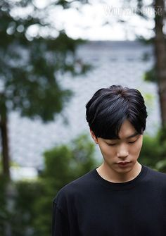 """KDrama """"Lucky Romance"""" star Ryu Jun Yeol is keeping himself busy not only with his upcoming films """"The King"""", """"Taxi Driver"""" and """"Silent Witness"""" but … Drama Korea, Korean Drama, Asian Actors, Korean Actors, Ryu Joon Yeol, Jun Matsumoto, Hong Ki, Park Hyung, Song Joong"""
