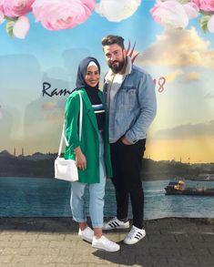 aya mahovi Cute Muslim Couples, Cute Couples, Modest Fashion, Hijab Fashion, Hijabi Girl, Wardrobe Basics, Mode Hijab, King Queen, Couple Goals