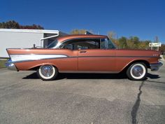 1957 Chevrolet Bel air Sport Coupe retro h Bel Air Car, 1957 Chevy Bel Air, Chevrolet Bel Air, Vintage Cars, Antique Cars, Cars Usa, American Muscle Cars, Dream Cars, Classic Cars